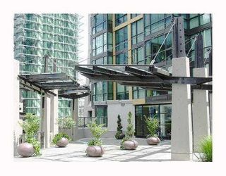 "Photo 2: 2210 1331 ALBERNI Street in Vancouver: West End VW Condo for sale in ""THE LIONS"" (Vancouver West)  : MLS®# V767483"