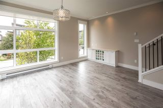 """Photo 8: 94 16488 64 Avenue in Surrey: Cloverdale BC Townhouse for sale in """"Harvest"""" (Cloverdale)  : MLS®# R2576907"""