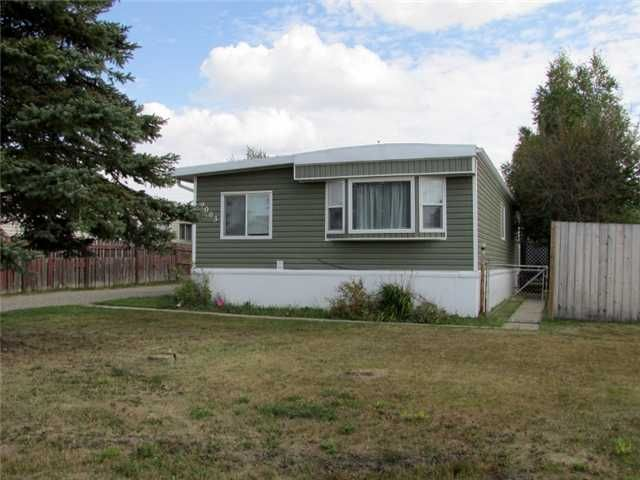 "Main Photo: 9003 76TH Street in Fort St. John: Fort St. John - City SE Manufactured Home for sale in ""SOUTH AENNOFIELD"" (Fort St. John (Zone 60))  : MLS®# N239444"