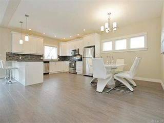 Photo 7: 2385 Lund Rd in VICTORIA: VR Six Mile House for sale (View Royal)  : MLS®# 746536