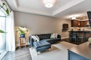 """Photo 3: 114 828 ROYAL Avenue in New Westminster: Downtown NW Townhouse for sale in """"BRICKSTONE WALK"""" : MLS®# R2161286"""