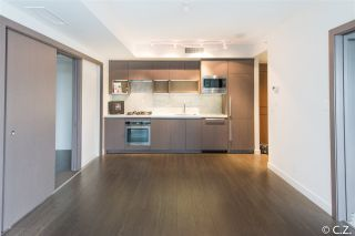 "Photo 8: 1028 68 SMITHE Street in Vancouver: Yaletown Condo for sale in ""ONE PACIFIC"" (Vancouver West)  : MLS®# R2137913"