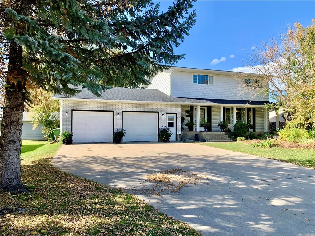 Main Photo: 961 Fuller Street in Dauphin: Residential for sale (R30 - Dauphin and Area)  : MLS®# 202105386