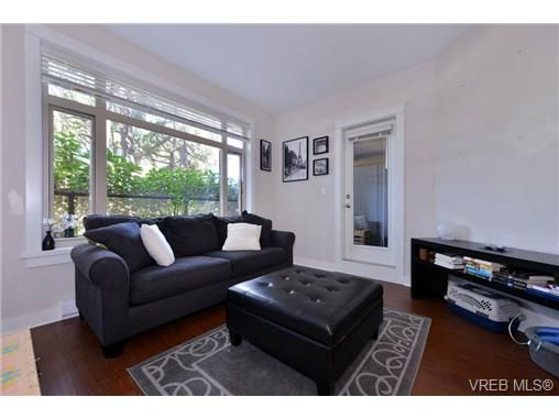 Main Photo: 205 844 Goldstream Ave in VICTORIA: La Langford Proper Condo for sale (Langford)  : MLS®# 739641