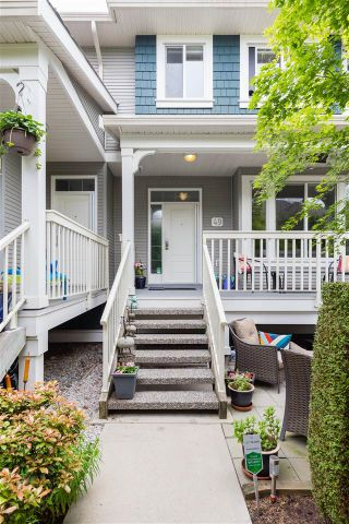 """Photo 2: 49 5999 ANDREWS Road in Richmond: Steveston South Townhouse for sale in """"RIVERWIND"""" : MLS®# R2369191"""