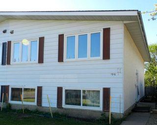 Photo 2: 196 MILLBOURNE Road E in Edmonton: Zone 29 House Half Duplex for sale : MLS®# E4246169