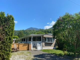 Photo 2: 78 3942 COLUMBIA VALLEY Road: Cultus Lake Manufactured Home for sale : MLS®# R2565476