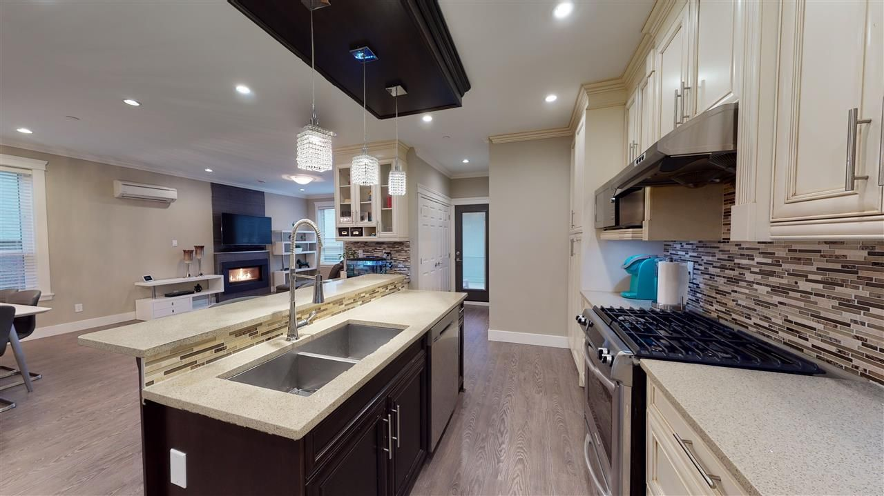 Photo 11: Photos: 3365 NAPIER Street in Vancouver: Renfrew VE House for sale (Vancouver East)  : MLS®# R2534997