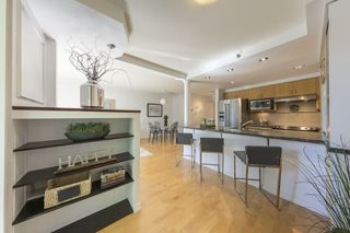 "Photo 2: TH103 1288 MARINASIDE Crescent in Vancouver: Yaletown Townhouse for sale in ""Crestmark"" (Vancouver West)  : MLS®# R2281597"