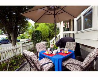 Photo 10: 889 PRIOR Street in Vancouver: Mount Pleasant VE 1/2 Duplex for sale (Vancouver East)  : MLS®# V812016