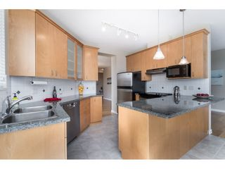 """Photo 18: 602 1581 FOSTER Street: White Rock Condo for sale in """"SUSSEX HOUSE"""" (South Surrey White Rock)  : MLS®# R2490352"""