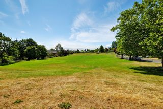 Photo 23: 13 3356 Whittier Ave in : SW Rudd Park Row/Townhouse for sale (Saanich West)  : MLS®# 861461