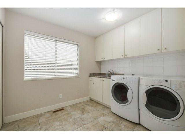 """Photo 15: Photos: 685 WILDING Place in North Vancouver: Tempe House for sale in """"TEMPE"""" : MLS®# V1087335"""