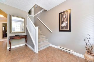 Photo 2: 3322 Blueberry Lane in VICTORIA: La Happy Valley House for sale (Langford)  : MLS®# 768056