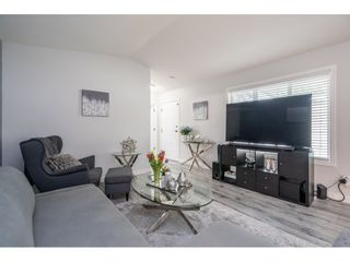 """Photo 7: 186 7790 KING GEORGE Boulevard in Surrey: East Newton Manufactured Home for sale in """"Crispen Bays"""" : MLS®# R2560382"""