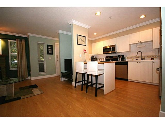 """Main Photo: 111 1702 56TH Street in Tsawwassen: Beach Grove Townhouse for sale in """"THE PILLERS"""" : MLS®# V1017909"""