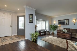 Photo 3: 14733 89A Avenue in Surrey: Bear Creek Green Timbers House for sale : MLS®# R2165041
