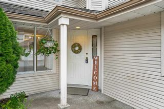"""Photo 3: 10 9045 WALNUT GROVE Drive in Langley: Walnut Grove Townhouse for sale in """"BRIDLEWOODS"""" : MLS®# R2606404"""