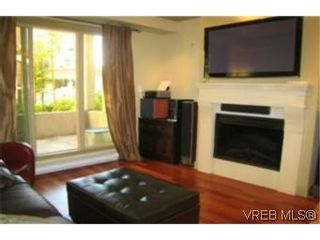 Photo 3: 210 1620 McKenzie Ave in VICTORIA: SE Lambrick Park Condo for sale (Saanich East)  : MLS®# 485676