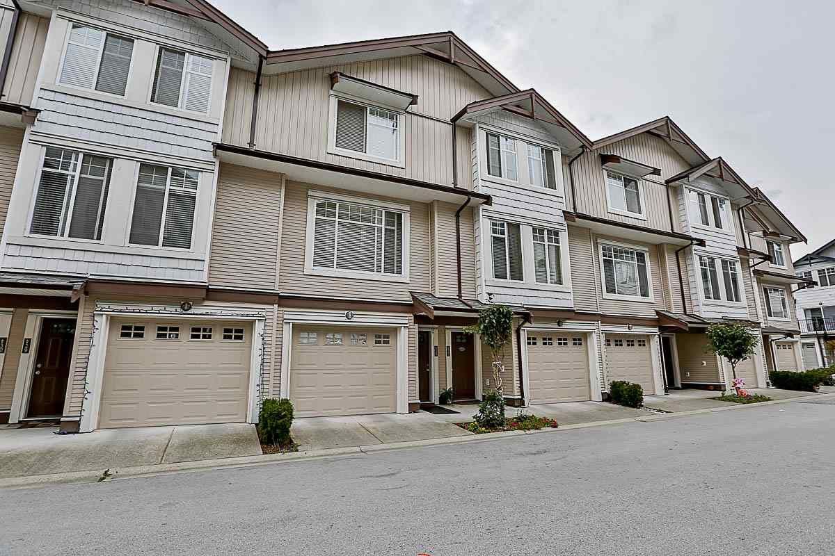 Main Photo: 27 7156 144 STREET in Surrey: East Newton Townhouse for sale : MLS®# R2101962