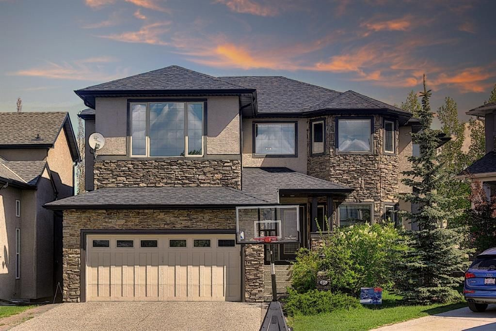 Main Photo: 46 West Cedar Place SW in Calgary: West Springs Detached for sale : MLS®# A1112742