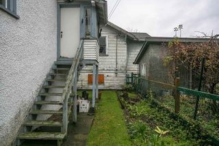 "Photo 14: 2327 TURNER Street in Vancouver: Hastings House for sale in ""HASTINGS-SUNRISE"" (Vancouver East)  : MLS®# R2225652"