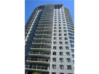 """Photo 1: 3205 898 CARNARVON Street in New Westminster: Downtown NW Condo for sale in """"AZURE 1 @ PLAZA 88"""" : MLS®# V1078443"""