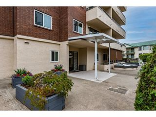 """Photo 3: 202 2684 MCCALLUM Road in Abbotsford: Central Abbotsford Condo for sale in """"Ridgeview Place"""" : MLS®# R2617099"""