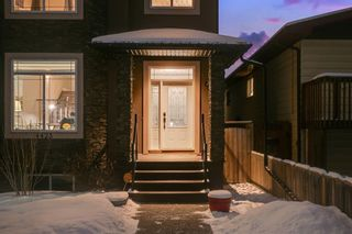 Photo 3: 4423 19 Avenue NW in Calgary: Montgomery Semi Detached for sale : MLS®# A1067150