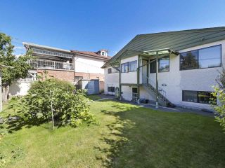 Photo 25: 2815 E 3RD Avenue in Vancouver: Renfrew VE House for sale (Vancouver East)  : MLS®# R2487598