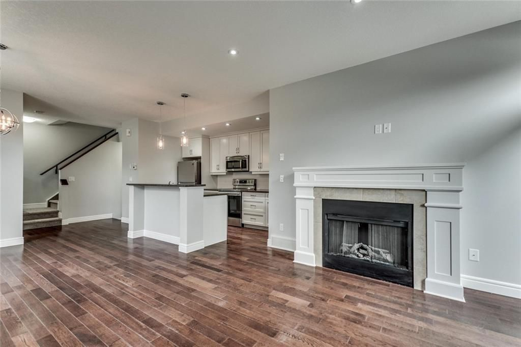 Main Photo: 2 2120 35 Avenue SW in Calgary: Altadore Row/Townhouse for sale : MLS®# C4285073