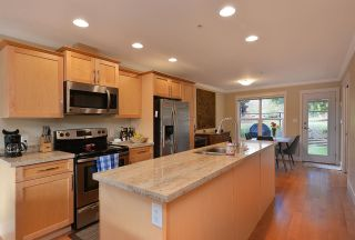 """Photo 9: 111 518 SHAW Road in Gibsons: Gibsons & Area Condo for sale in """"Cedar Gardens"""" (Sunshine Coast)  : MLS®# R2538487"""