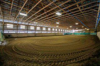 Photo 1: 1280 POWERHOUSE Road in Abbotsford: Sumas Prairie House for sale : MLS®# R2565055