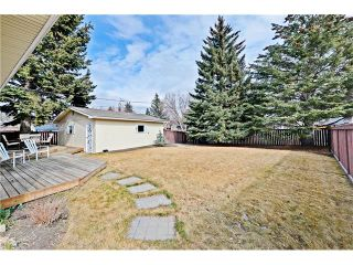 Photo 15: 6628 LETHBRIDGE Crescent SW in Calgary: Lakeview House for sale : MLS®# C4055225