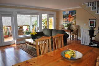 Photo 8: 223 E 17TH Street in North Vancouver: Central Lonsdale 1/2 Duplex for sale : MLS®# V891734