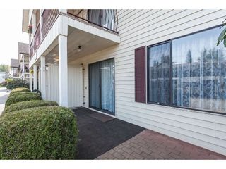 """Photo 9: 106 2853 W BOURQUIN Crescent in Abbotsford: Central Abbotsford Townhouse for sale in """"Bourquin Court"""" : MLS®# R2361510"""