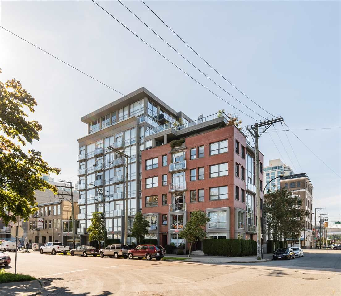 """Main Photo: 202 919 STATION Street in Vancouver: Strathcona Condo for sale in """"Left Bank"""" (Vancouver East)  : MLS®# R2413251"""