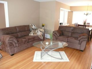 Photo 4: 8840 117A Street in N. Delta: House for sale : MLS®# F2817539