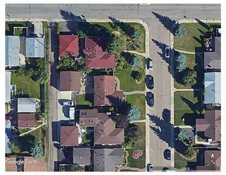 Photo 2: 9444 74 Street in Edmonton: Zone 18 House for sale : MLS®# E4240246