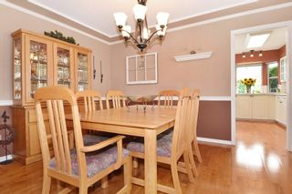 """Photo 5: 6139 W BOUNDARY Drive in Surrey: Panorama Ridge Townhouse for sale in """"LAKEWOOD GARDENS"""" : MLS®# F1448168"""