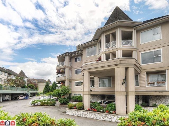 """Main Photo: 205 20120 56 Avenue in Langley: Langley City Condo for sale in """"Blackberry Lane"""" : MLS®# F1120563"""