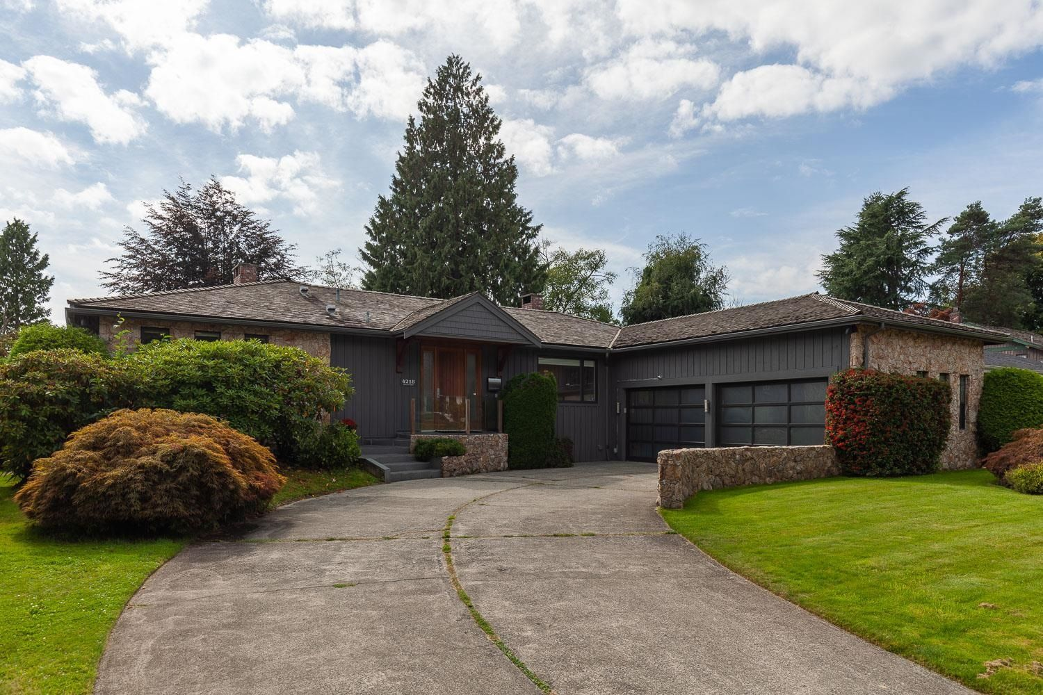 """Main Photo: 4218 YUCULTA Crescent in Vancouver: University VW House for sale in """"Salish Park"""" (Vancouver West)  : MLS®# R2616968"""