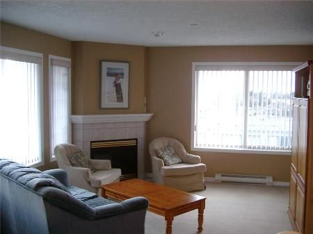Photo 3: Photos: 3700 Carey Rd in Victoria: Residential for sale (Canada)  : MLS®# 271459