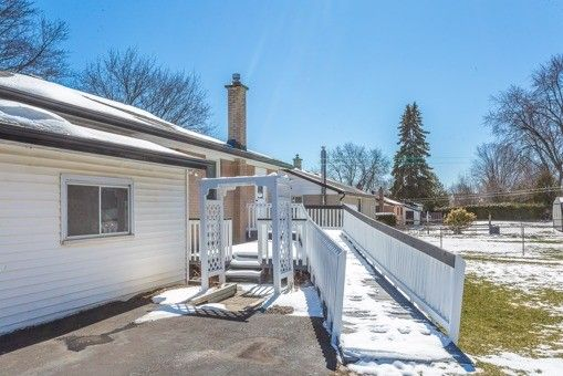 Photo 8: Photos: 56 Torian Avenue in Whitby: Brooklin House (Bungalow) for sale : MLS®# E3456917