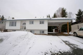 """Main Photo: 2809 OAKRIDGE Crescent in Prince George: Ingala House for sale in """"Ingala/Hart Highlands"""" (PG City North (Zone 73))  : MLS®# R2562200"""