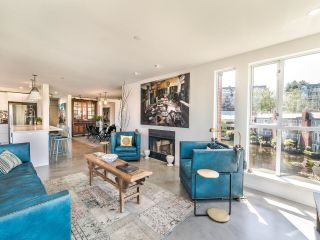 """Photo 8: 307 1502 ISLAND PARK Walk in Vancouver: False Creek Condo for sale in """"The Lagoons"""" (Vancouver West)  : MLS®# R2606940"""