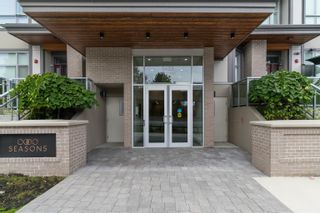 """Photo 2: 5483 LOUGHEED Highway in Burnaby: Parkcrest Townhouse for sale in """"Seasons"""" (Burnaby North)  : MLS®# R2620234"""