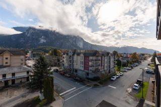 """Photo 13: 504 38013 THIRD Avenue in Squamish: Downtown SQ Condo for sale in """"THE LAUREN"""" : MLS®# R2415912"""