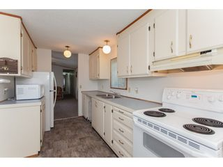 """Photo 9: 46 15875 20 Avenue in Surrey: King George Corridor Manufactured Home for sale in """"SEA RIDGE BAYS"""" (South Surrey White Rock)  : MLS®# R2192542"""