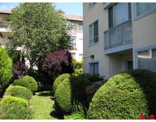 Main Photo: 103 1459 Blackwood Street in Surrey: White Rock Condo for sale (South Surrey White Rock)  : MLS®# F2914920